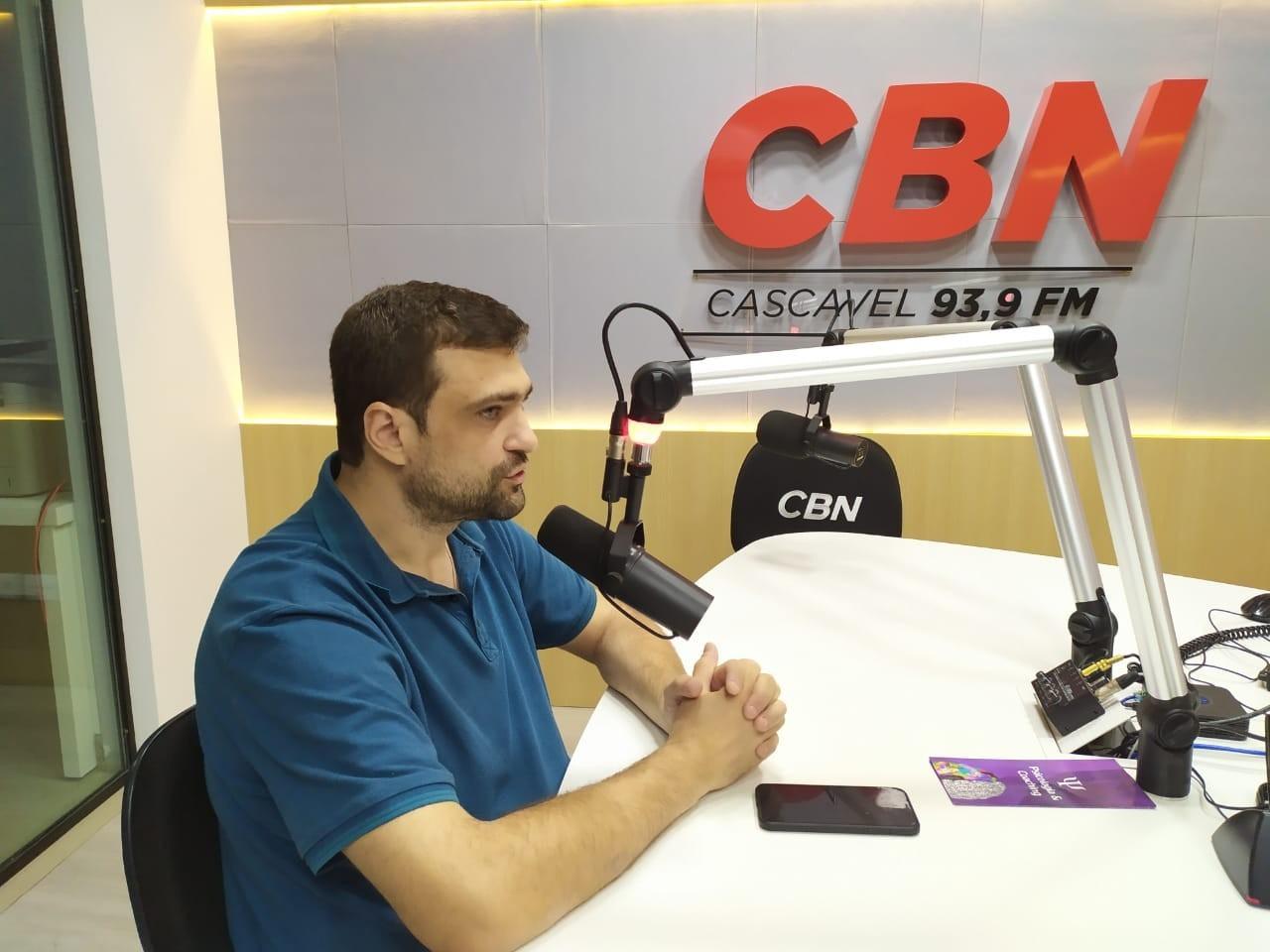 """""""Cascavel saltou de 50% de cobertura da atenção básica para 85% nessa gestão"""", diz Stefanello"""