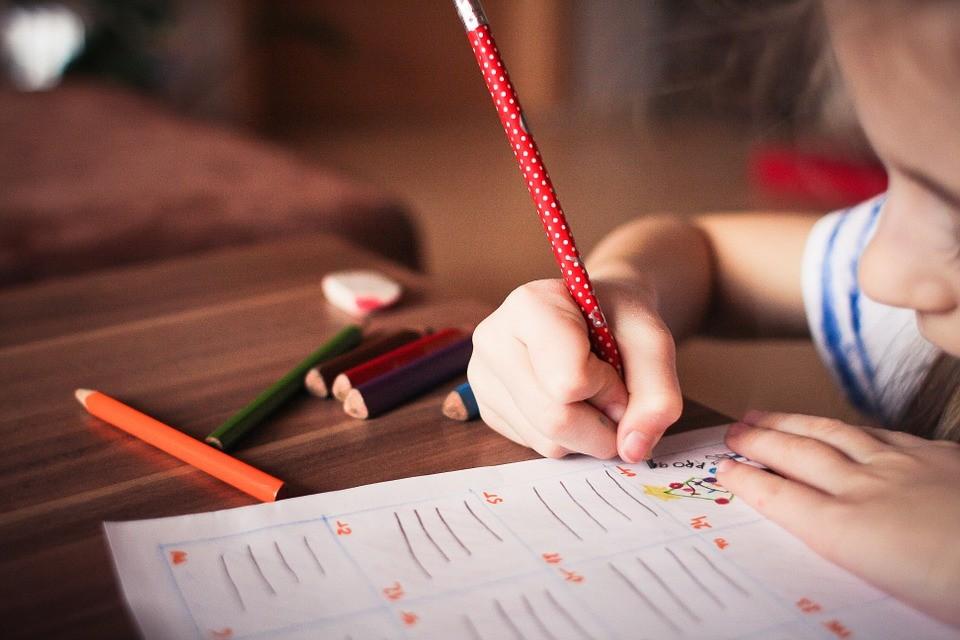 Escolas públicas têm menos alunos
