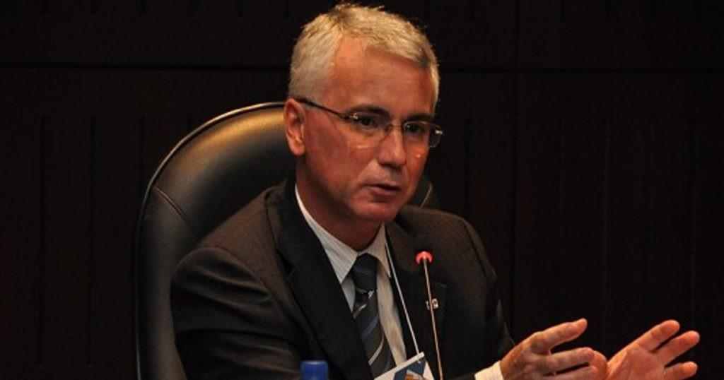 Presidente da OAB Paraná fala do fim das aposentadorias para ex-governadores