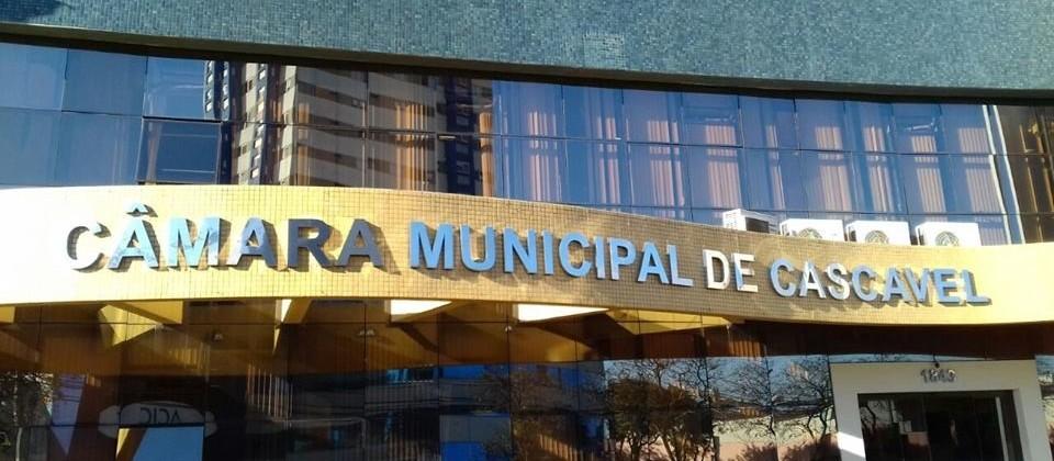 Secretário Municipal de Planejamento e Gestão protocola o projeto da LDO