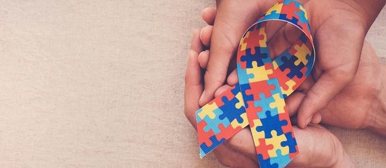 Lei municipal reforça prioridade de autistas no atendimento