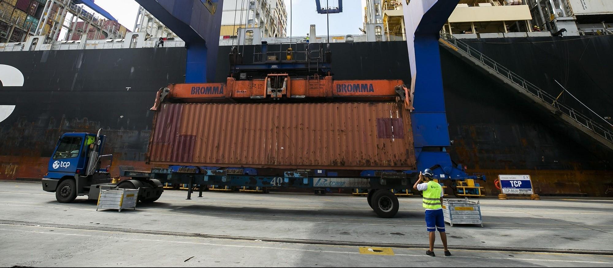 Exportações têm crescimento de 8,7% em setembro no Paraná