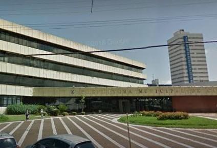 Prefeitura auxilia famílias atingidas por incêndio no Interlagos