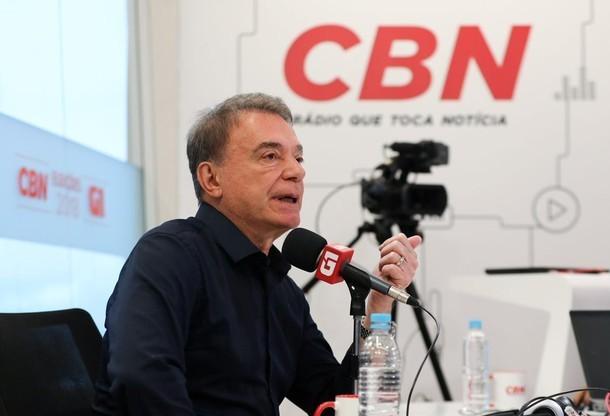 """""""Nós  não vamos admitir isso passivamente, não sei se seremos vitoriosos"""", diz Álvaro Dias"""
