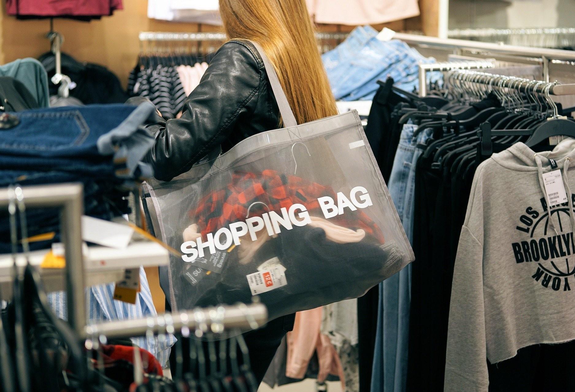 Consumidores poderão aproveitar feriados para fazer compras