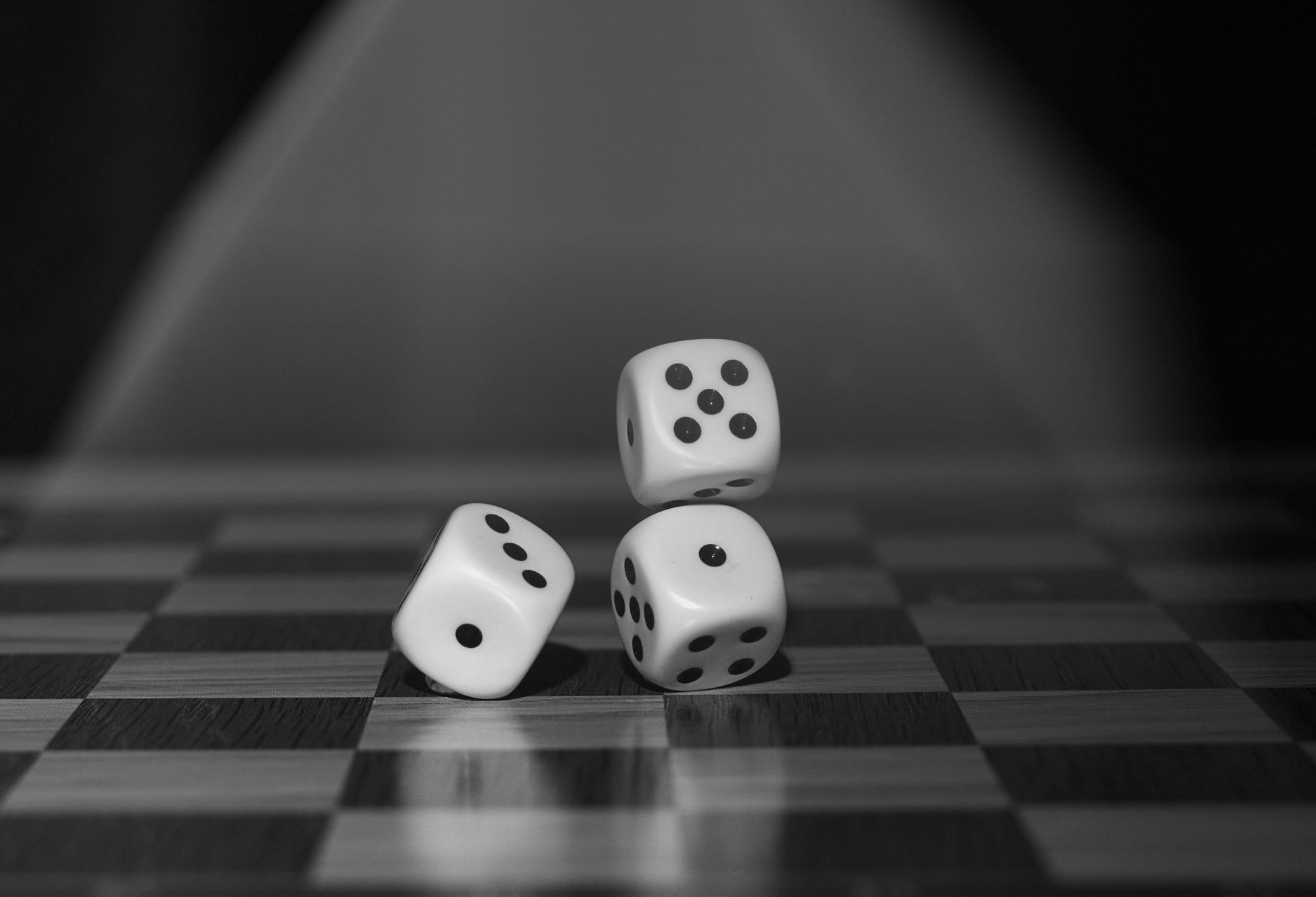 Sem sentido, viver vira sorte ou azar