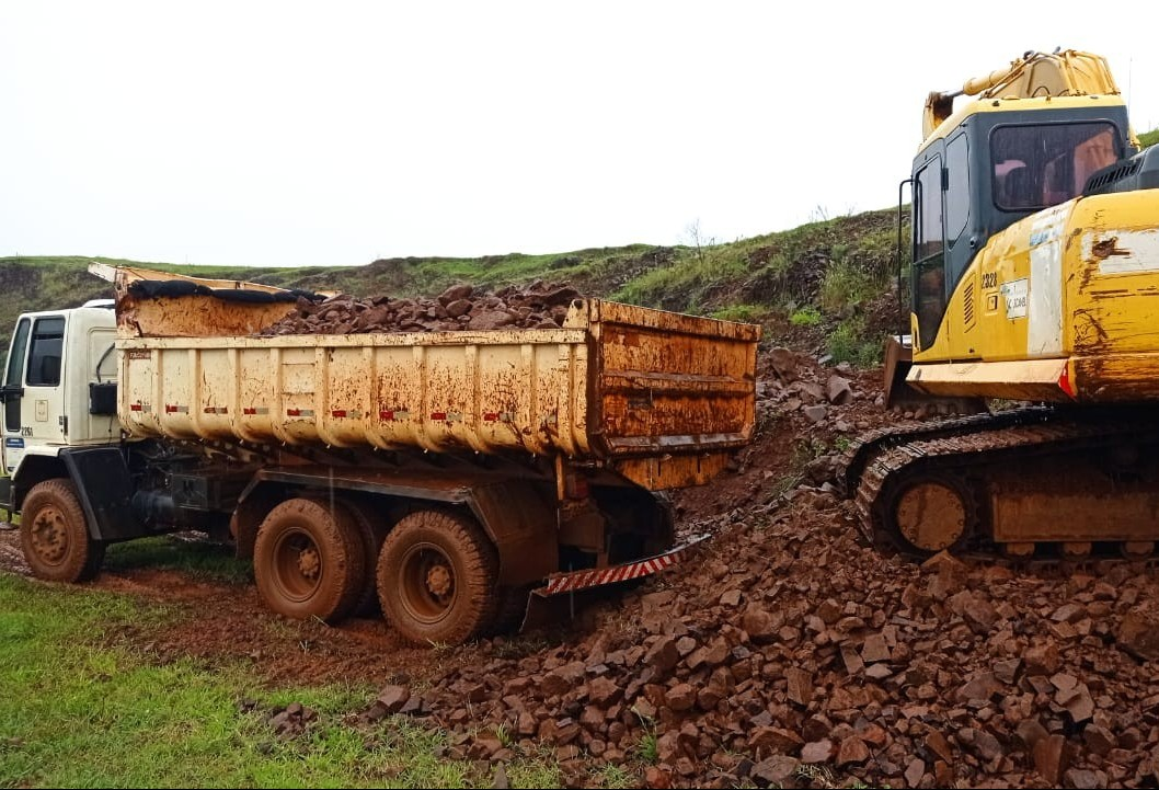 Mutirão Safra 2021 avança no reparo de pontos críticos das estradas rurais