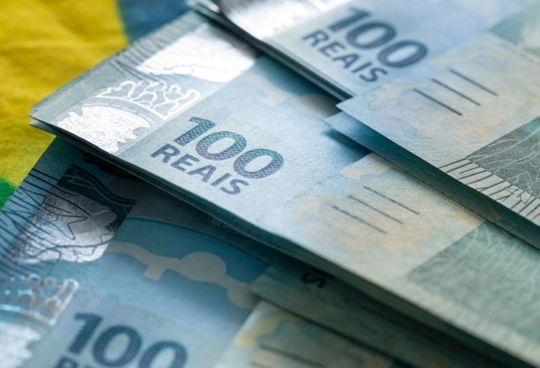 Salário mínimo do Paraná chega a até R$ 1.599,40