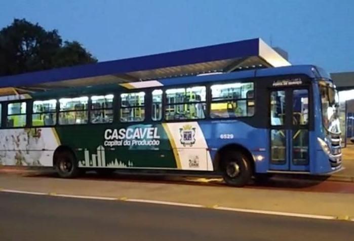 Transporte coletivo passa a operar próximo à normalidade nesta segunda-feira
