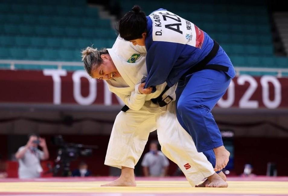 Nadadora que supera irmã gêmea e judoca, ambas de Maringá, ganham medalha de bronze