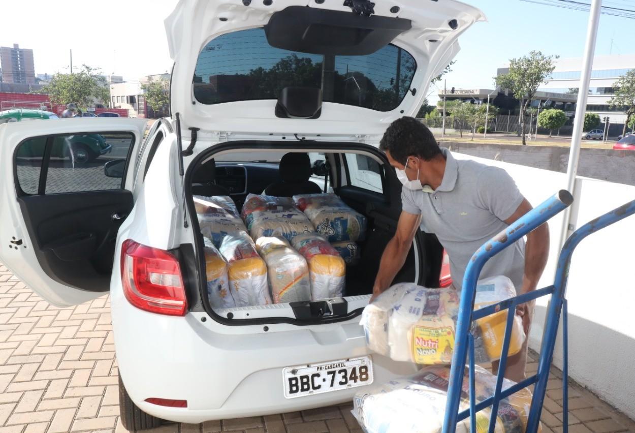 Secretaria de Assistência Social distribui mais de 14 mil cestas básicas a famílias carentes