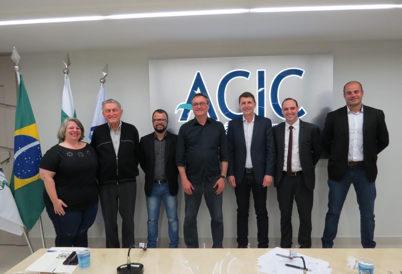 Projeto sobre contratação de mão de obra carcerária é apresentado para empresários, em reunião da ACIC