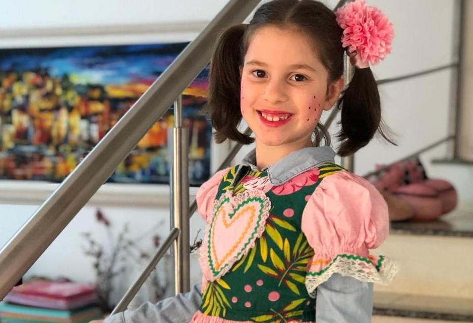 Em Cascavel, crianças comemoram festa caipira on-line