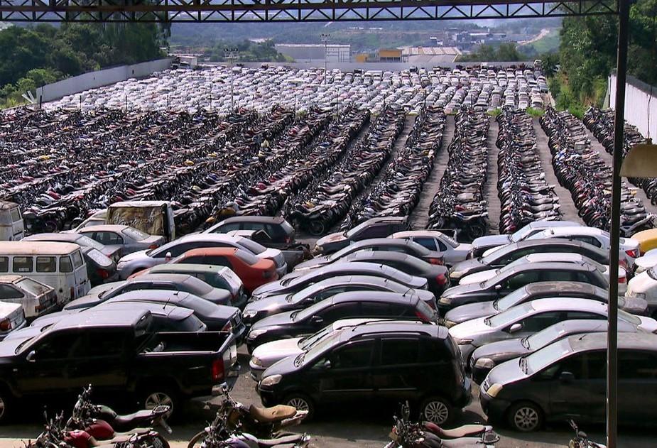 Deputados apresentam projeto para acelerar processo de veículos apreendidos