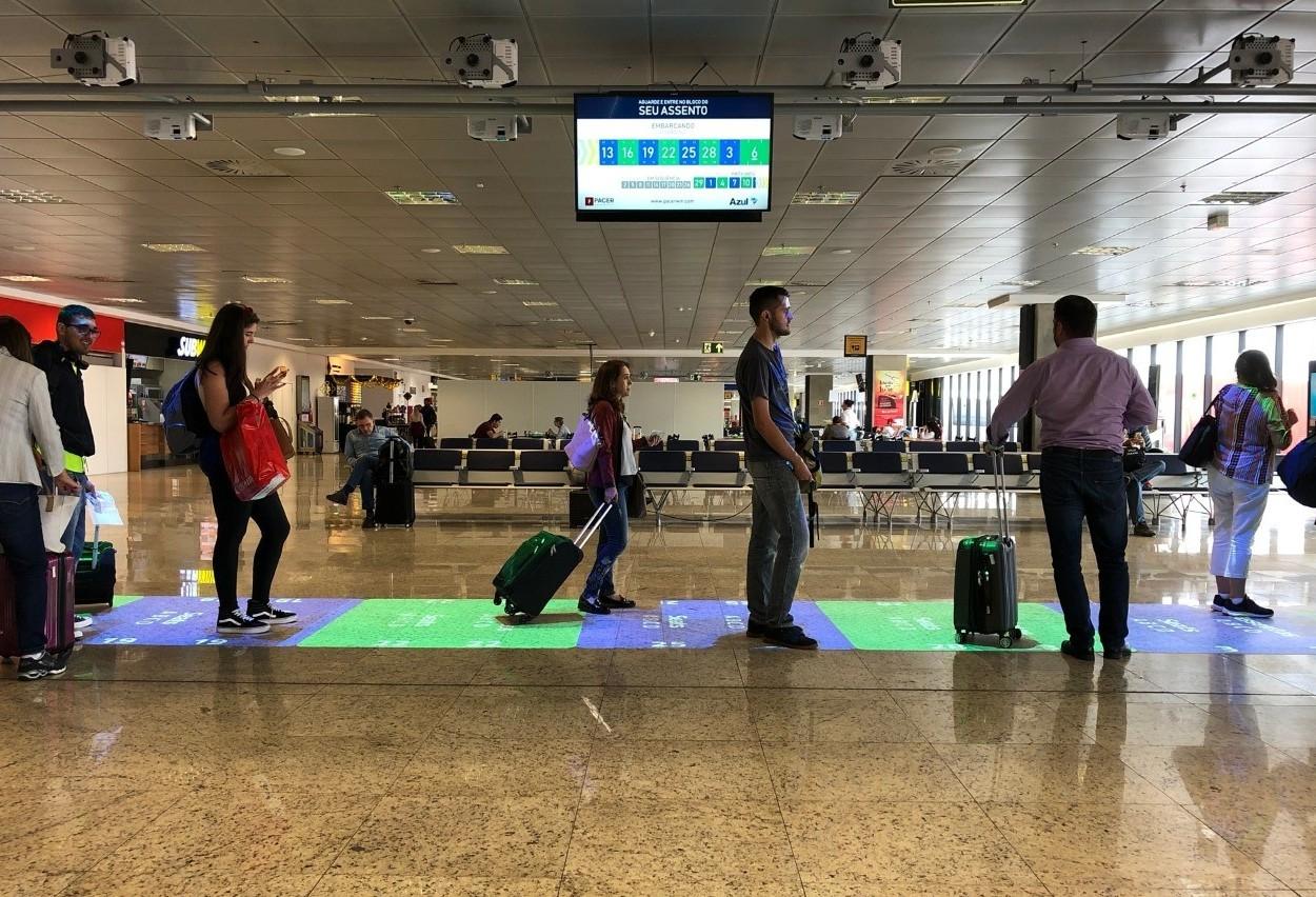 Empresa lança tapete virtual para agilizar embarques em aeroporto do Paraná