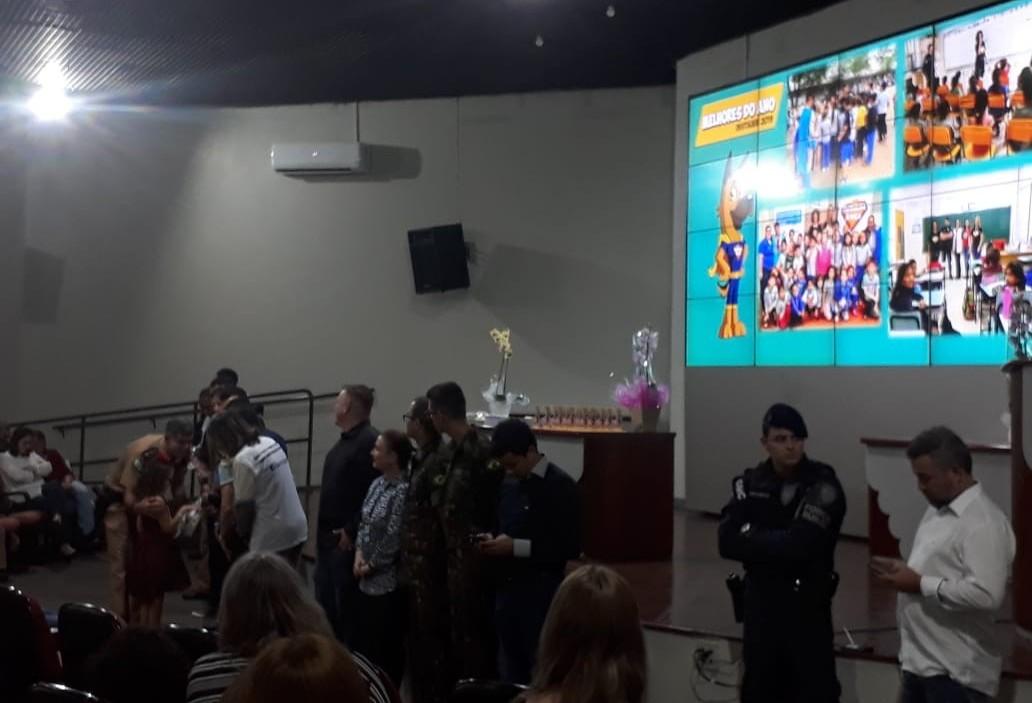 Programa Patrulha Amiga premia alunos e professores da rede pública