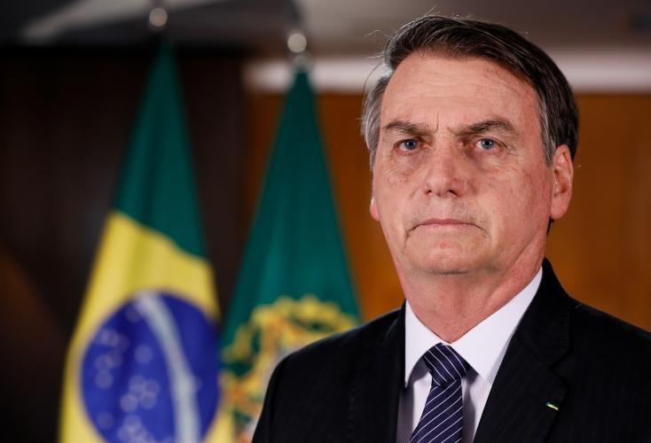 Juristas dizem que posição de Bolsonaro vai contra membros do próprio governo e discurso pode basear até impeachment