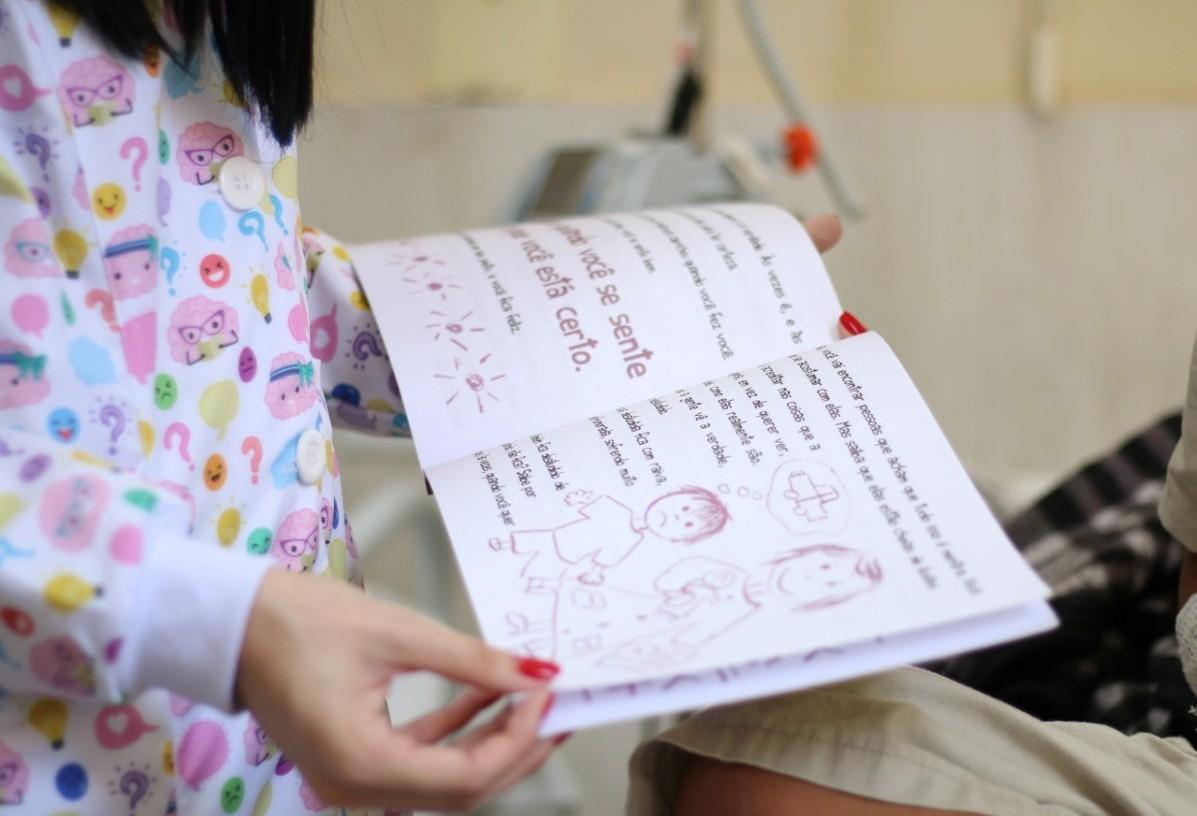 Livros ajudam pacientes do HUOP a lidar com sentimentos durante internação