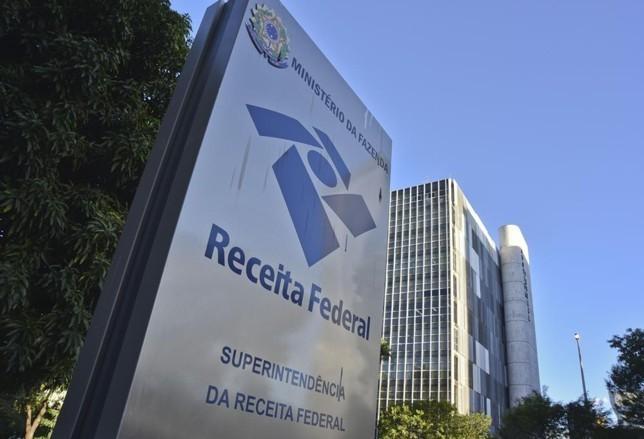 Governo quer extinguir Superintendência da Receita Federal com sede em Curitiba