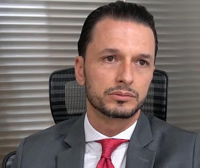 """""""Muitas vezes essa negativa de crédito pode ser uma tentativa do banco para oferecer um empréstimo mais caro"""", alerta Donato"""