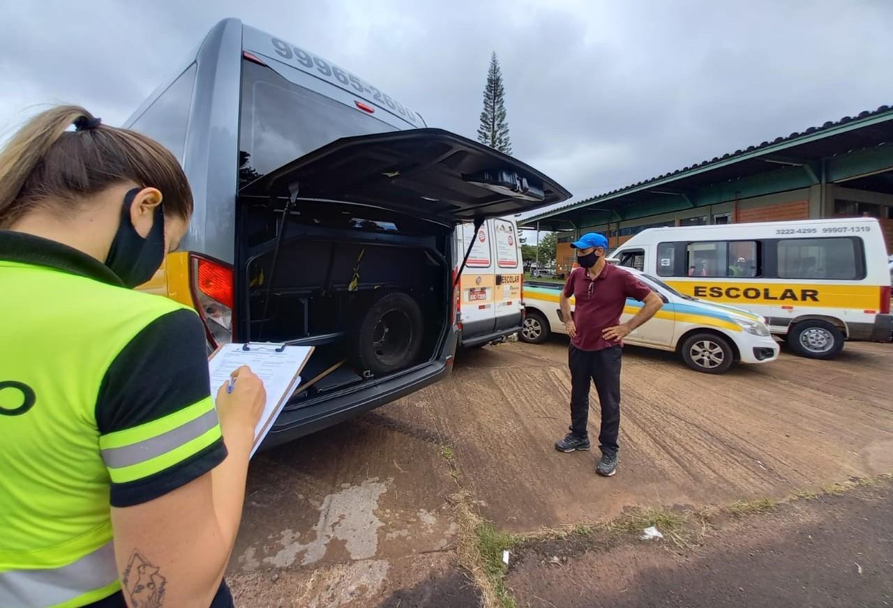Visando à segurança do estudante, Transitar convoca permissionários para a vistoria semestral do transporte escolar