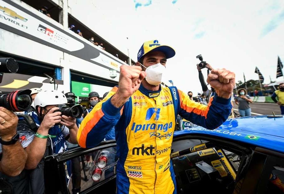 Thiago Camilo garante a pole position da Stock Car em Cascavel
