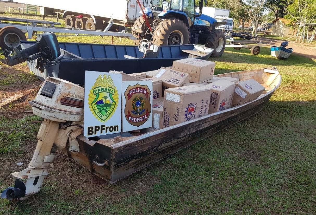 Polícia realiza apreensão de barco carregado com cigarros paraguaios