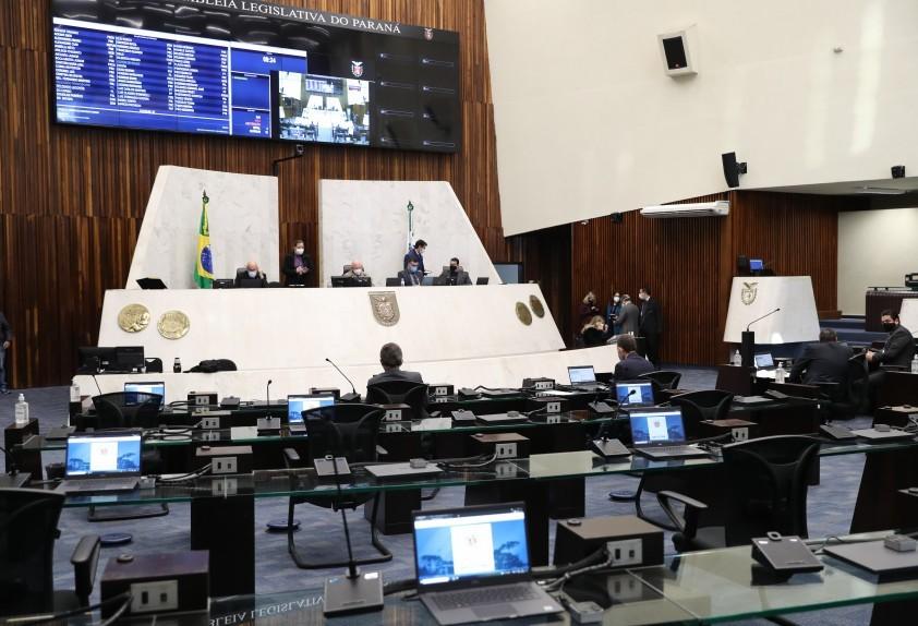 Divulgação de lista de espera do SUS no Paraná é aprovada na Assembleia
