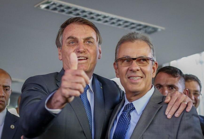 Bolsonaro anuncia revitalização do sistema de furnas em Foz do Iguaçu