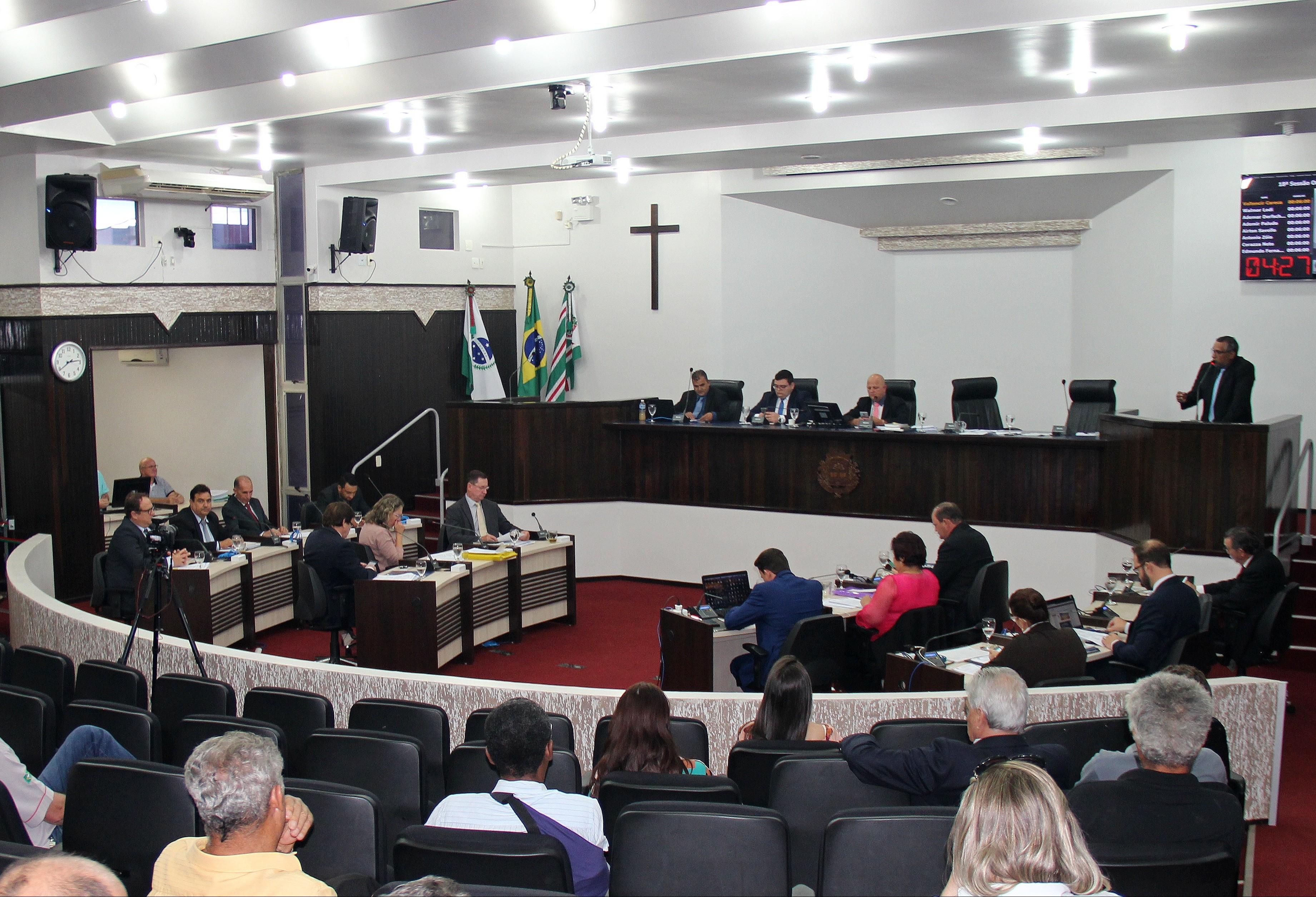 Comissão de Ética investiga caso de suposta ameaça à vereadora