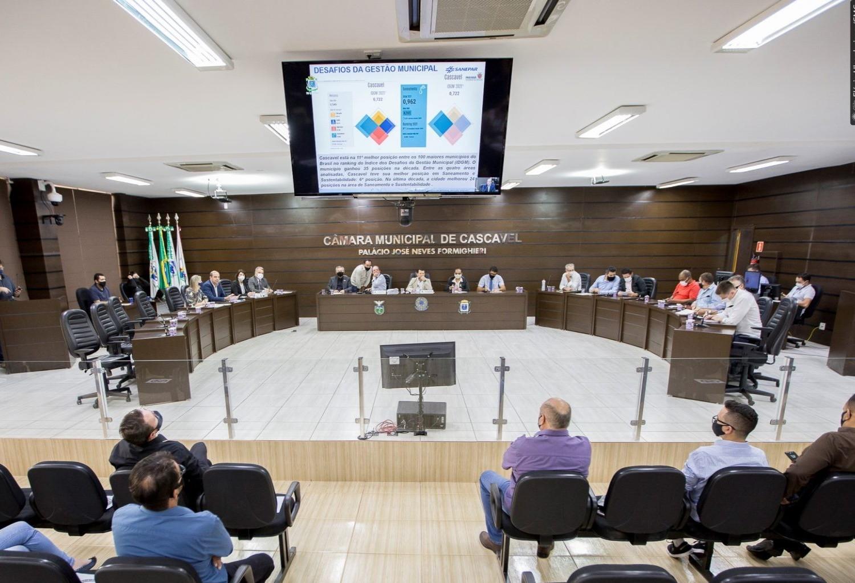 Câmara e Sanepar debatem qualidade do serviço prestado pela companhia em Cascavel