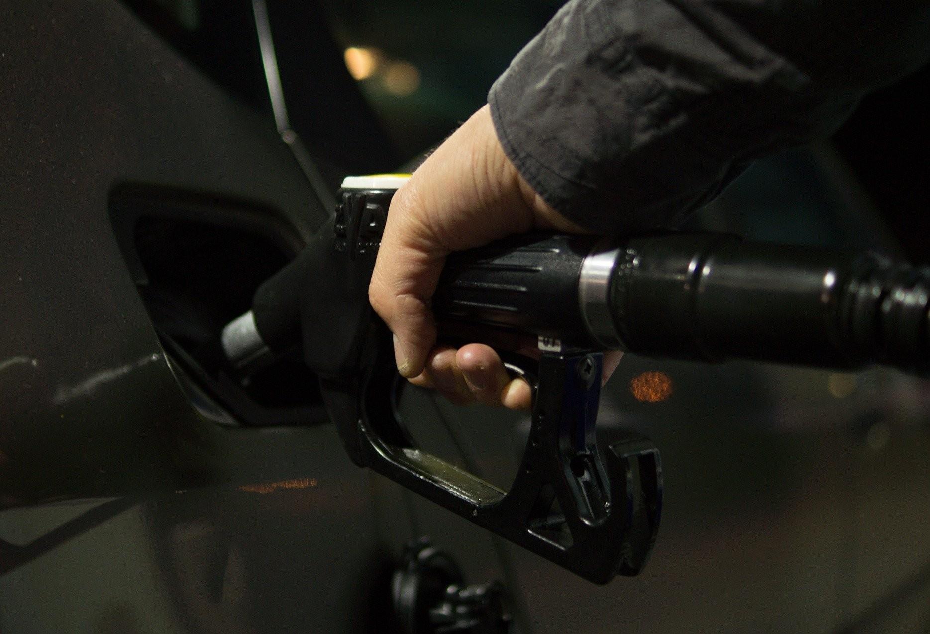 Governadores podem perder R$ 24 bilhões ao ano com proposta que altera ICMS dos combustíveis
