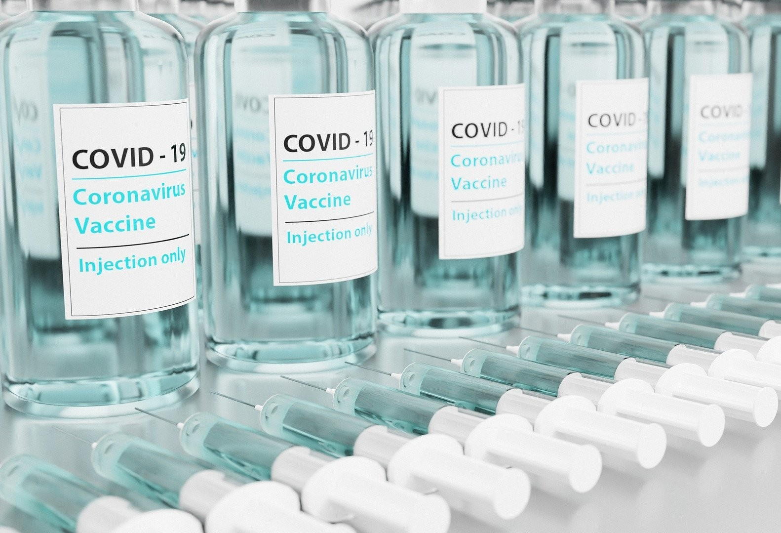 1ᵃ dose da vacina contra Covid-19 é suspensa em Cascavel