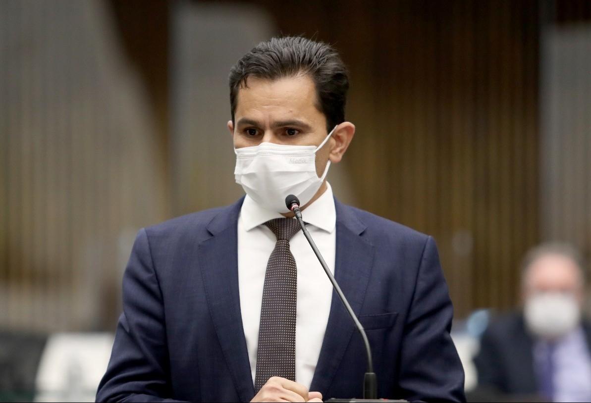 Projeto de lei que proíbe linguagem neutra na administração estadual tem parecer favorável