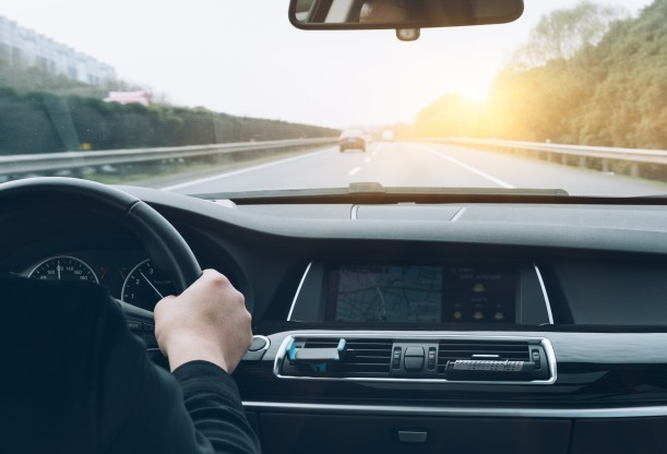 Motoristas com carteira suspensa não poderão dirigir mesmo sem entregar CNH
