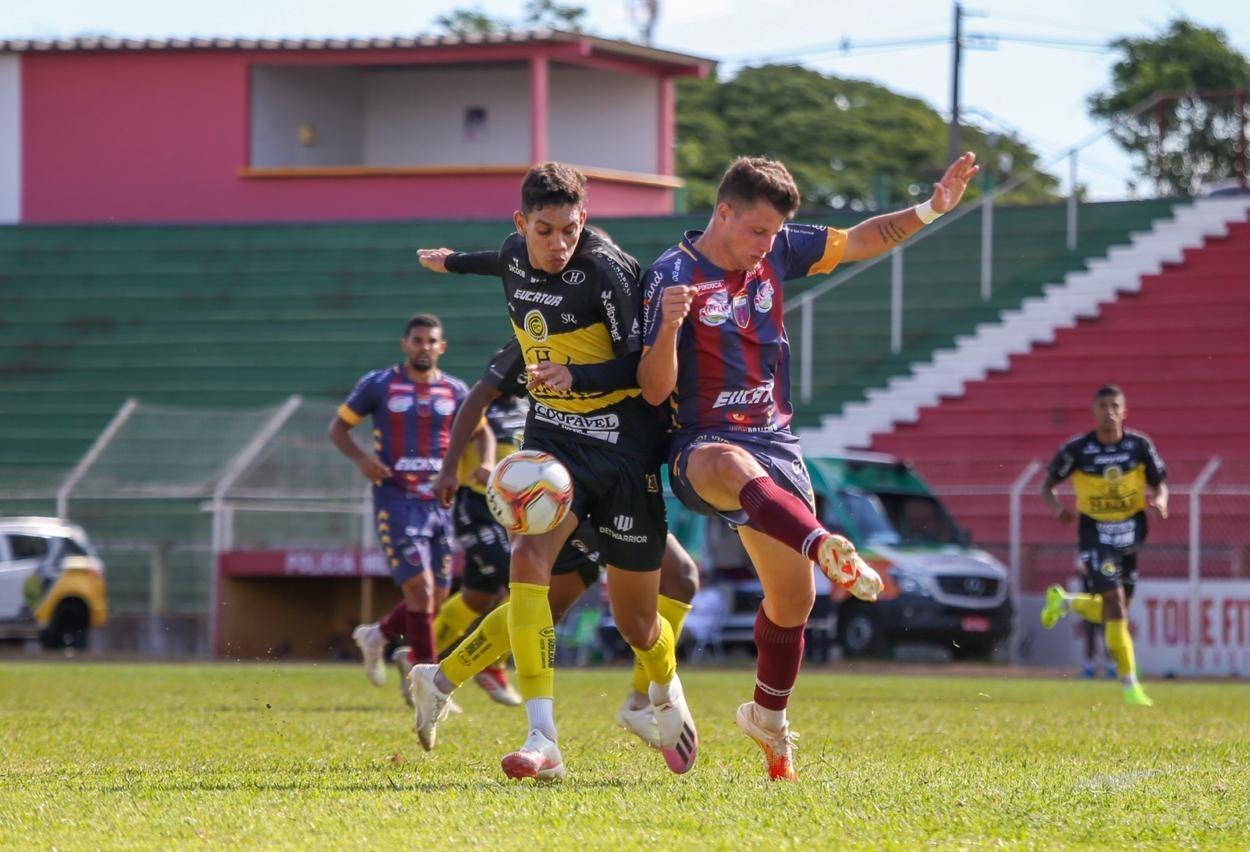 FC Cascavel vence Toledo por 3x1 fora de casa