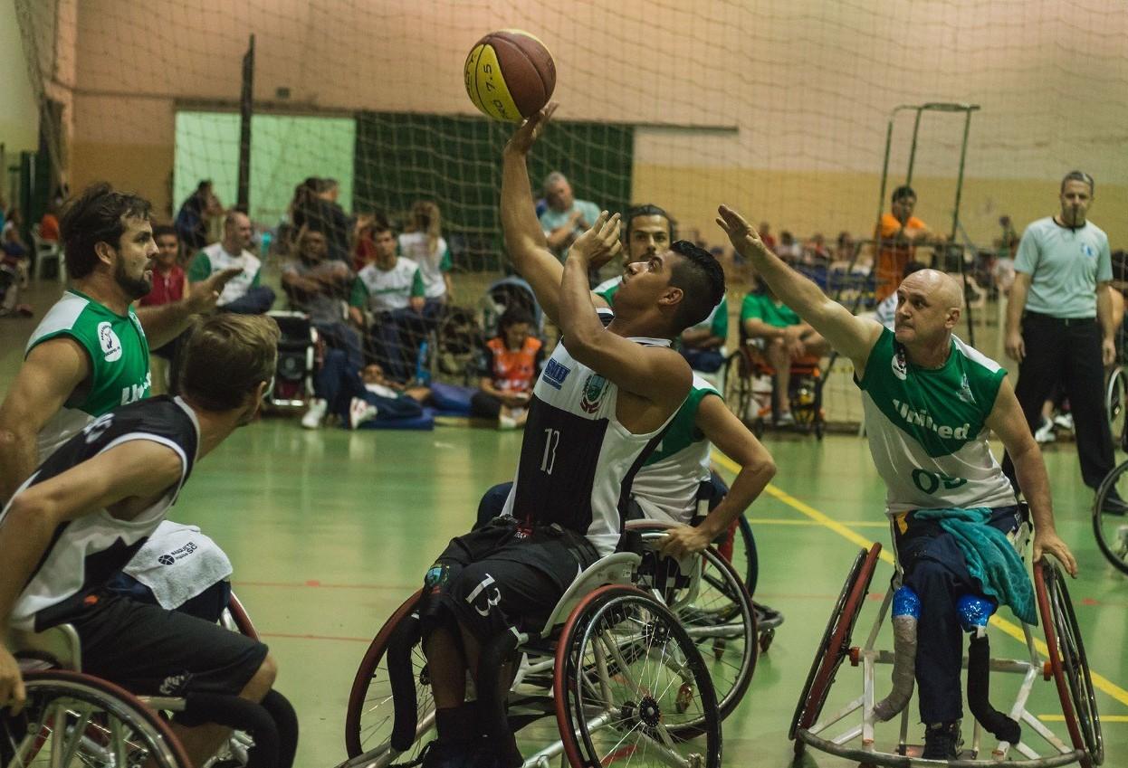 Mais de cem atletas representam Cascavel nos Parajaps em Londrina