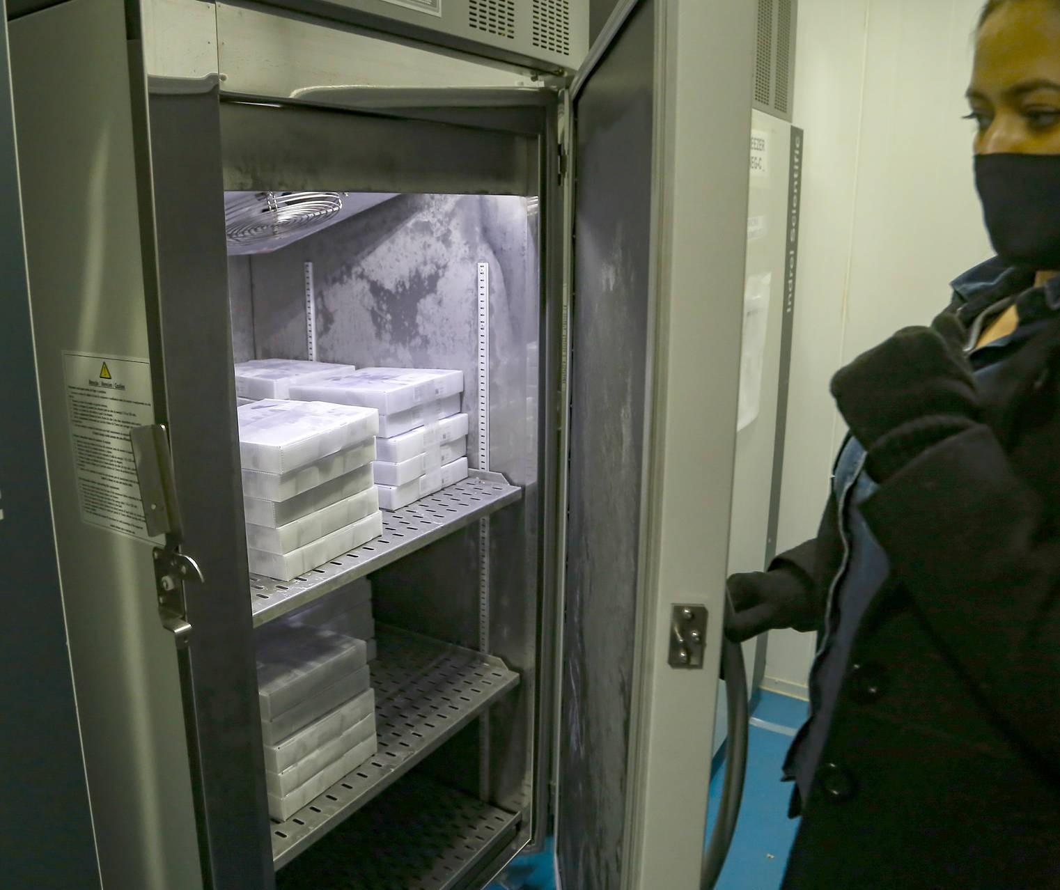 Doses de vacina contra a COVID-19 para população em geral foram esgotadas em Cascavel