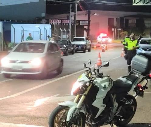 Blitz estendida de fim de semana flagra três condutores sem habilitação